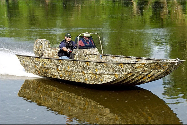 Eevelle Aluminum V Jon Boat with Center Console Camo